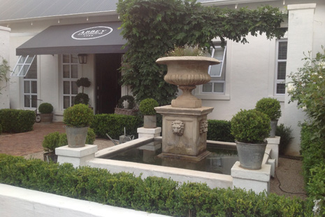 Craighall Park Accommodation Abbey Guest House Rates - Situated in Craighall Park, Within easy reach of the Sandton and Rosebank business centres
